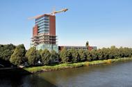 Bouwcombinatie Heijmans-Hendriks Nijmegen v.o.f. - 115 appartementen Maas-Waal Toren te Nijmegen